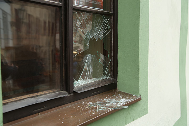 A2B Glass are able to board up broken windows while they are being repaired in Holland Park.